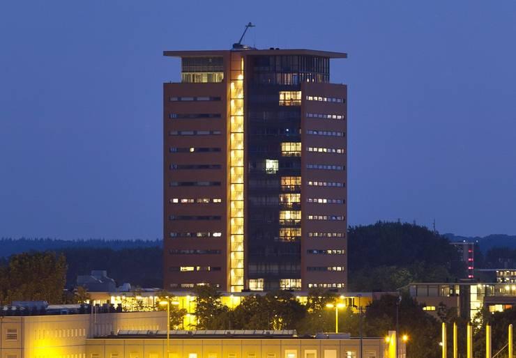 Toren van Gelre Arnhem: moderne Huizen door Van de Looi en Jacobs Architecten