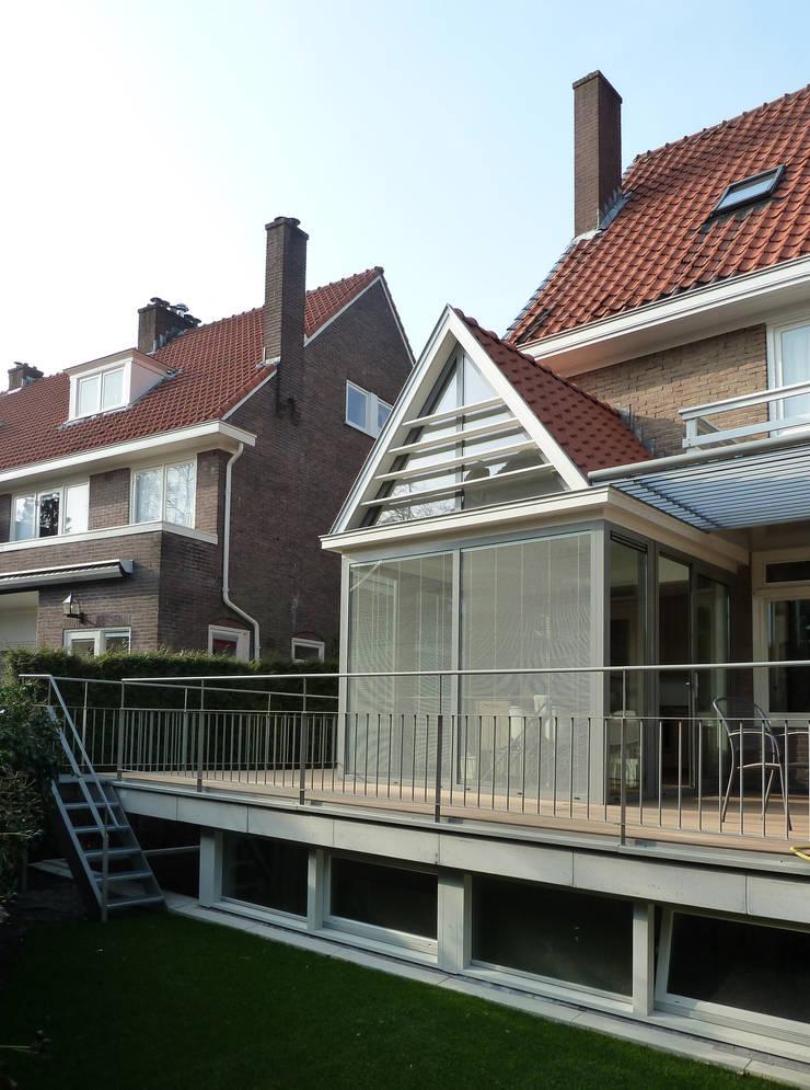 Transformatie woonhuis Arnhem:  Huizen door Van de Looi en Jacobs Architecten