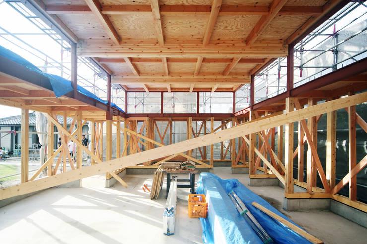 建設中写真: 後藤周平建築設計事務所が手掛けた家です。