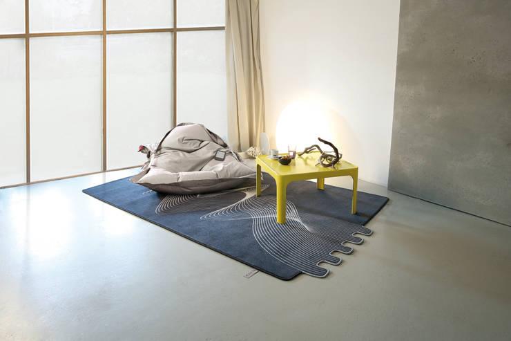 Flat'n - Fringe Teppich:  Wände & Boden von Connox