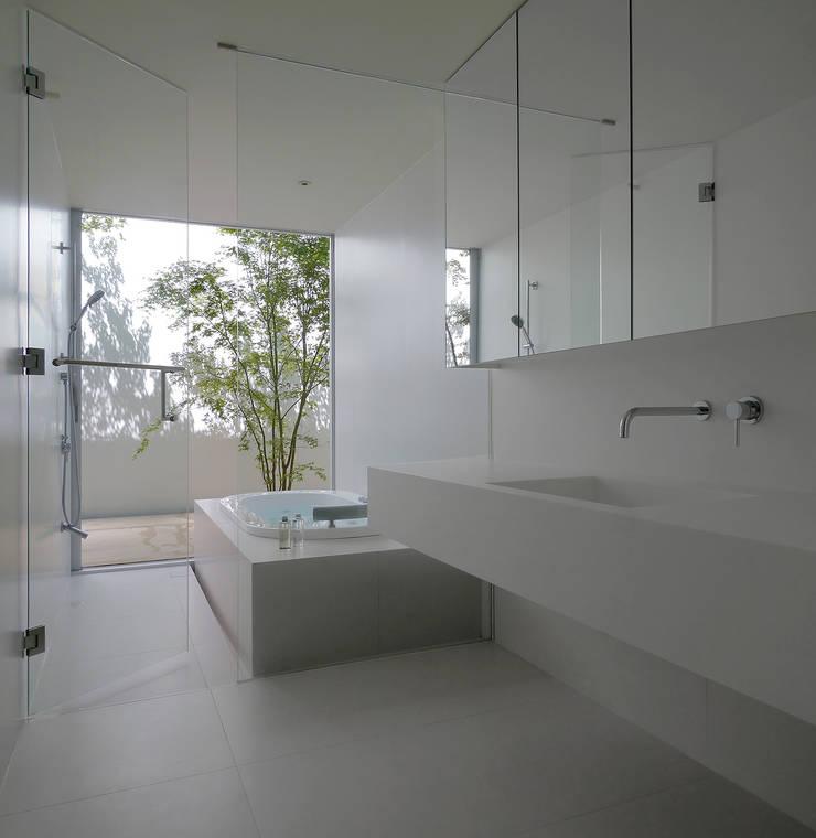 h-house: フォンテトレーディング株式会社が手掛けた洗面所&風呂&トイレです。