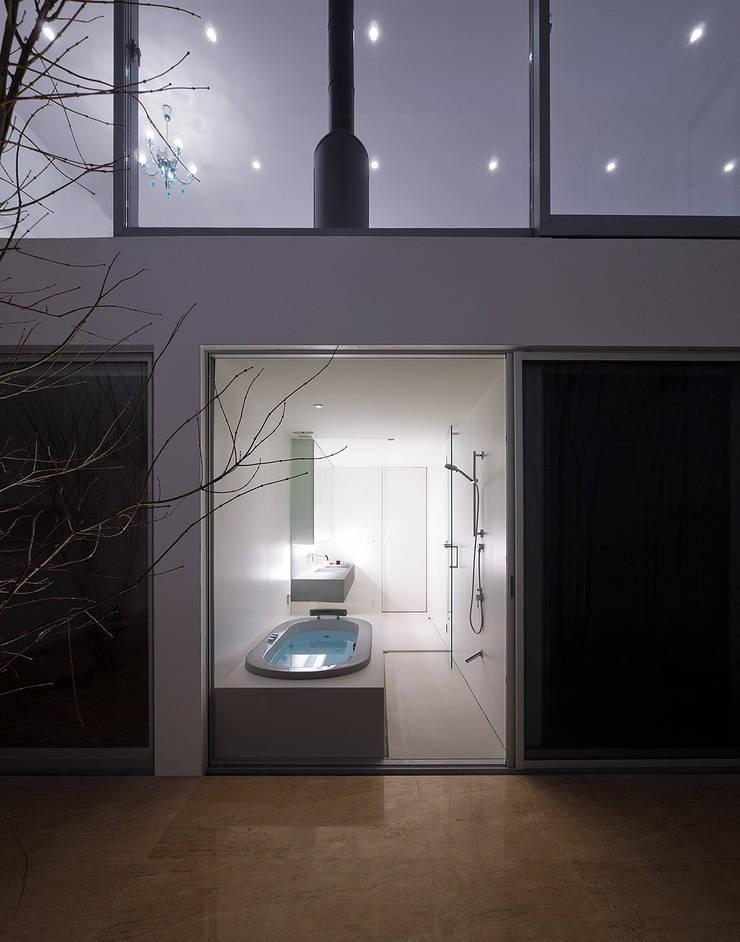 h-house_2: フォンテトレーディング株式会社が手掛けた洗面所&風呂&トイレです。