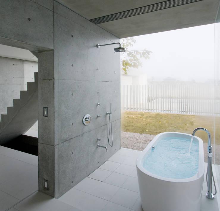 i-house: フォンテトレーディング株式会社が手掛けた洗面所&風呂&トイレです。