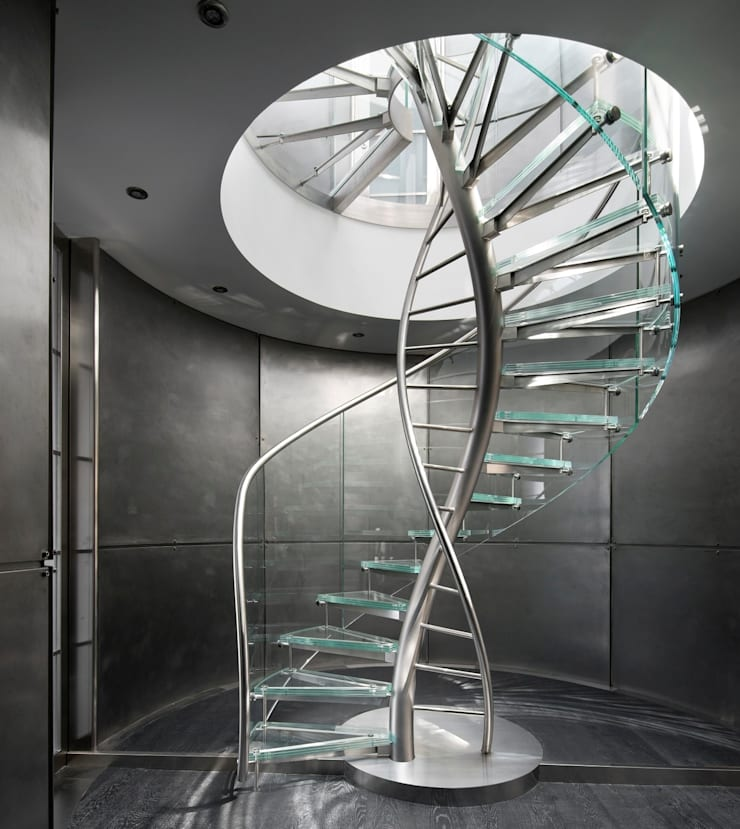 DNA by EeStairs®:  Gang en hal door EeStairs | Stairs and balustrades, Modern Glas