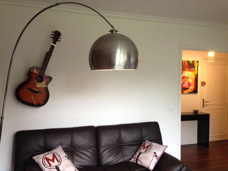Appartement Marly-Le-Roi- Salon après :  de style  par Nuance d'intérieur