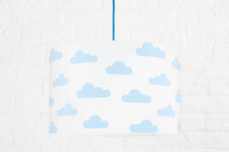 Lampa sufitowa chmurki błękitne: styl , w kategorii  zaprojektowany przez youngDECO,Skandynawski Bawełna Czerwony
