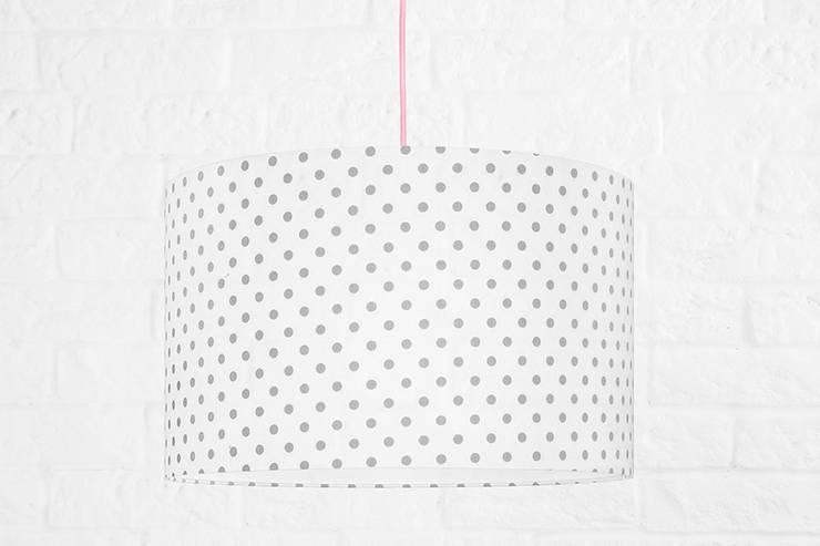 Lampa sufitowa grochy szare: styl , w kategorii  zaprojektowany przez youngDECO,Skandynawski Bawełna Czerwony