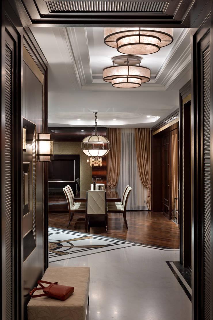 Частные апартаменты.: Коридор и прихожая в . Автор – А3 ARCHITECTURAL BUREAU,