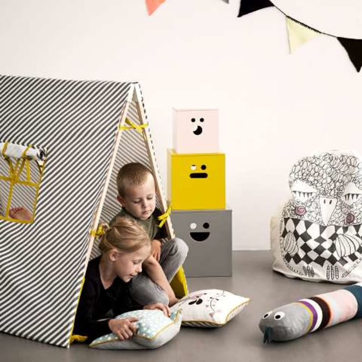 Tente Kids gris - Ferm Living: Chambre d'enfants de style  par decoBB
