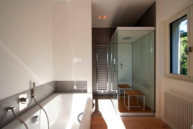 moderne Spa door WAF Architekten