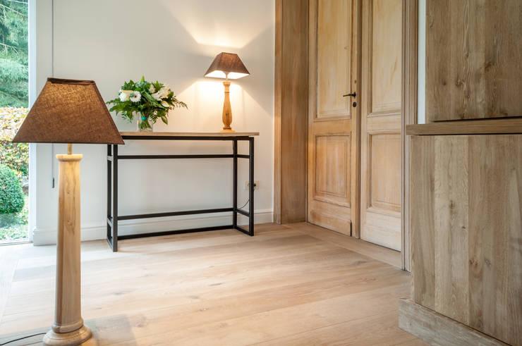 Projekty,  Salon zaprojektowane przez De Plankerij BVBA