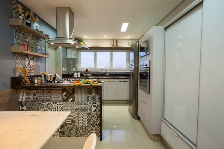 Küche von Estúdio HL - Arquitetura e Interiores ,