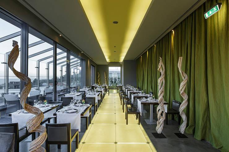 Restaurante Uva - The Vine Hotel: Espaços de restauração  por urbanistas