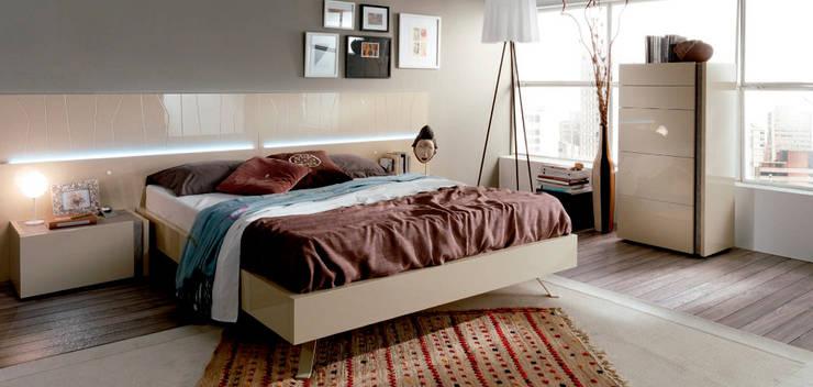 modern Bedroom by Casasola Decor