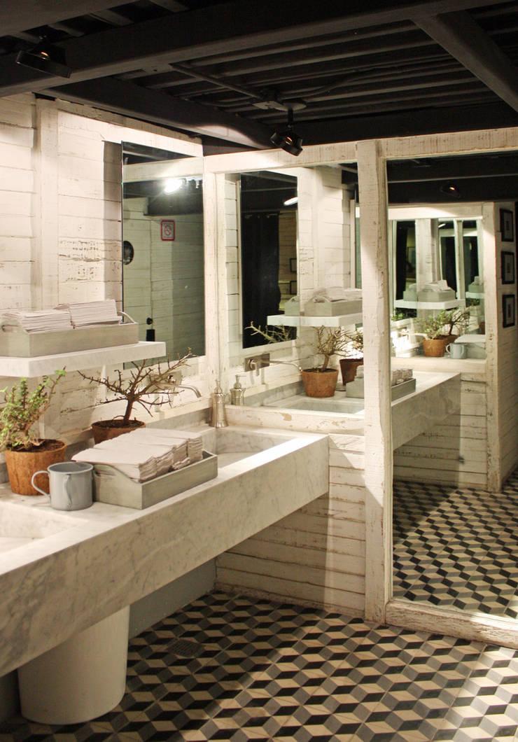 Oliva- Boue Arquitectos : Restaurantes de estilo  por Boué Arquitectos