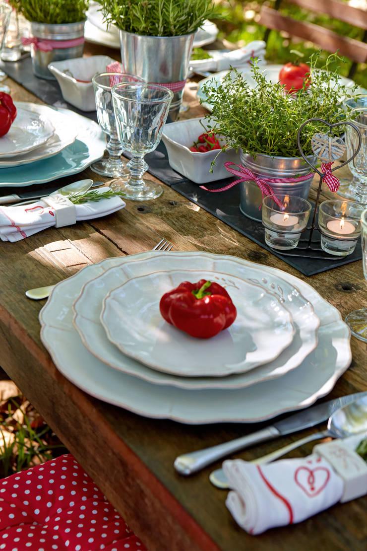 Costa Nova - set mesa colecção Alentejo: Sala de jantar  por Grestel, SA