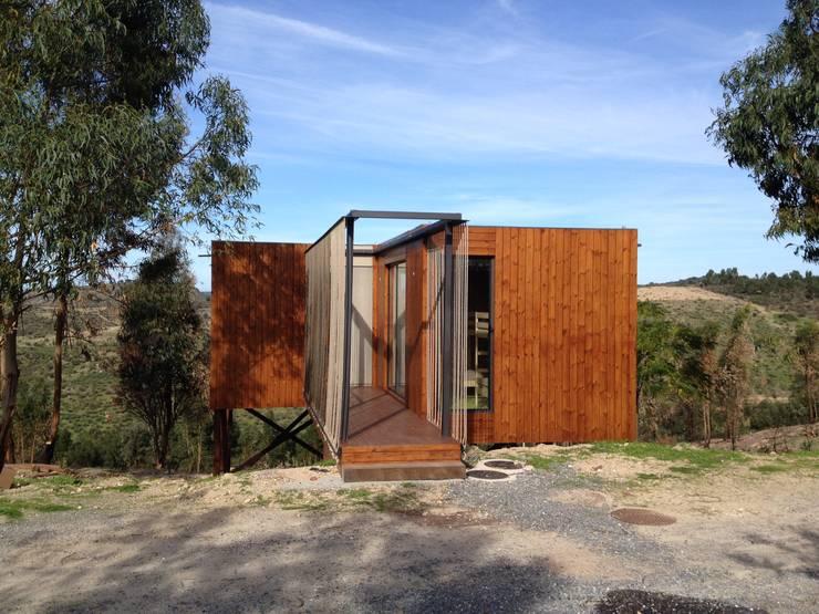 Abrigos da Eira: Casas  por Plano Humano Arquitectos