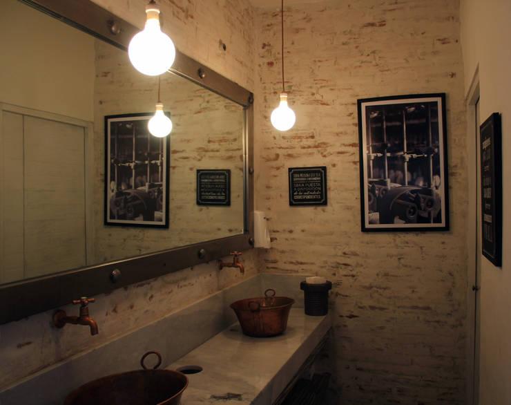 Restaurant La Fabbrica- Boue Arquitectos : Restaurantes de estilo  por Boué Arquitectos