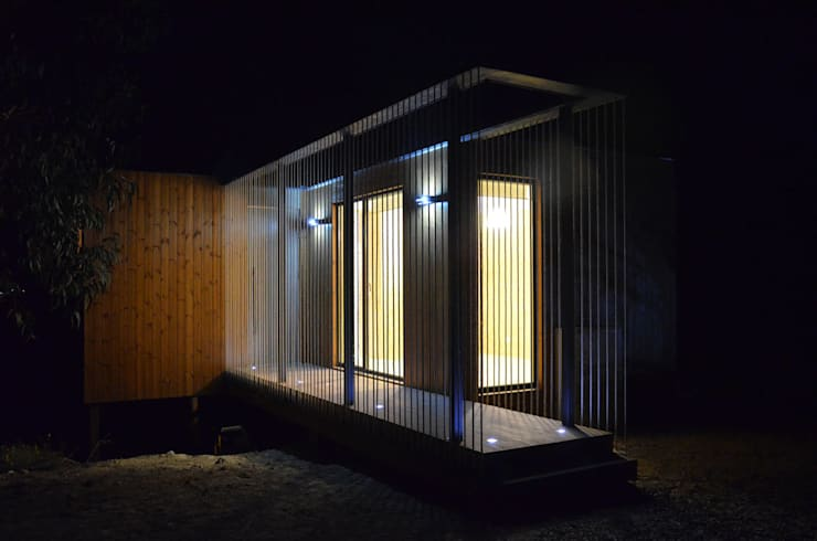 Abrigos da Eira: Casas escandinavas por Plano Humano Arquitectos