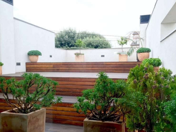 Vivienda Unifamiliar en Rubí: Terrazas de estilo  de SRS Arquitectura y Urbanismo SLP