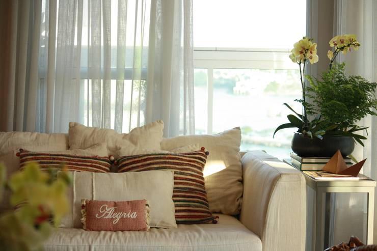 Detalhes: Salas de estar  por Coutinho+Vilela
