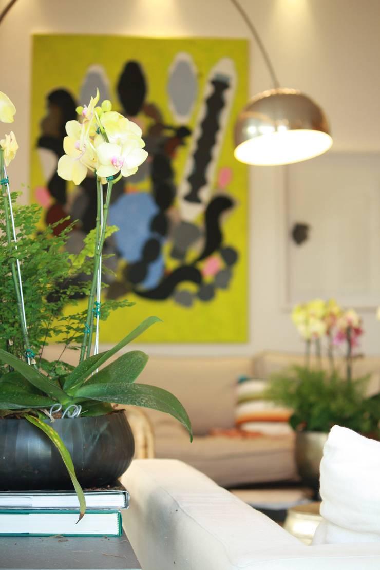 Detalhes: Sala de estar  por Coutinho+Vilela