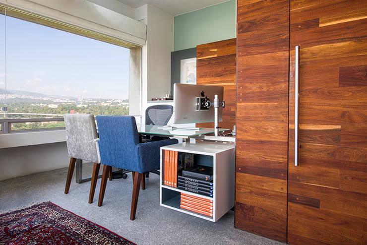 OFICINAS O&H: Estudios y oficinas de estilo  por Barra de Arquitectura Mexicana