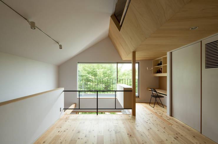 Ruang Multimedia by 藤森大作建築設計事務所