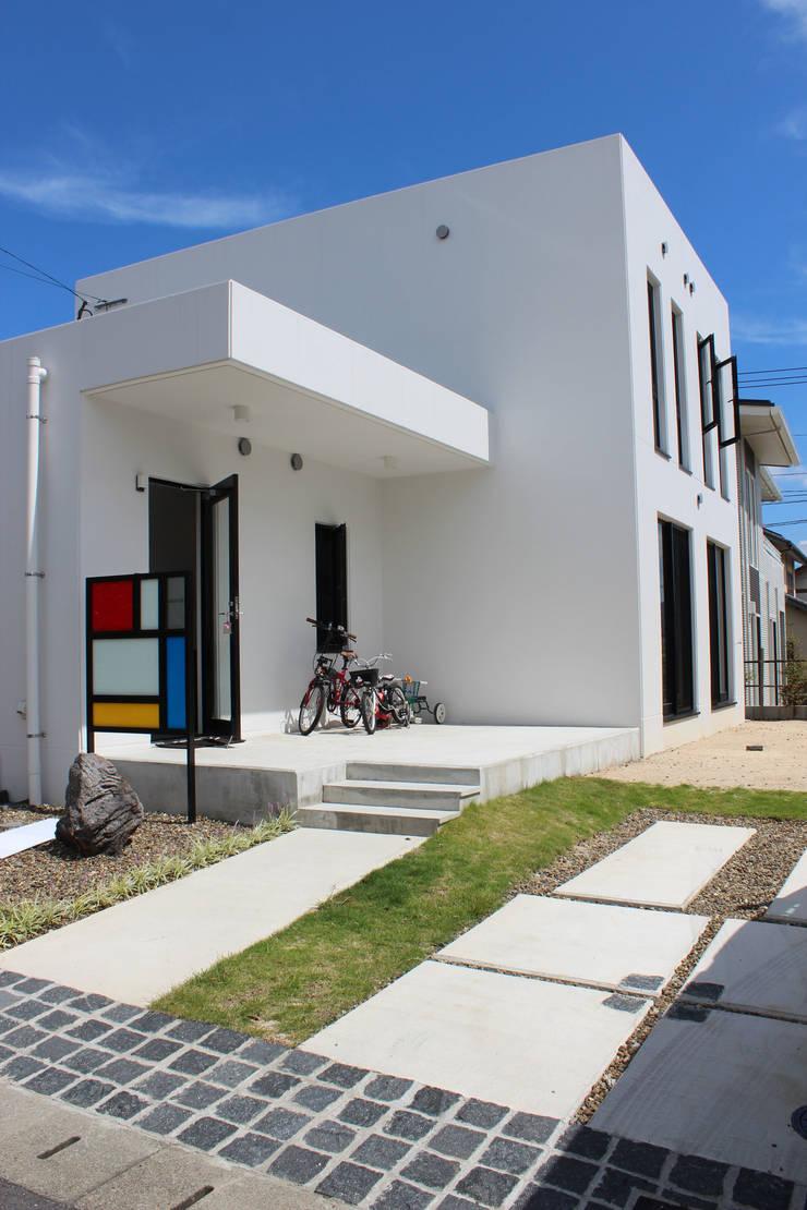 空間と質を兼ね備えたコンクリート住宅: 株式会社Linewoodが手掛けた家です。