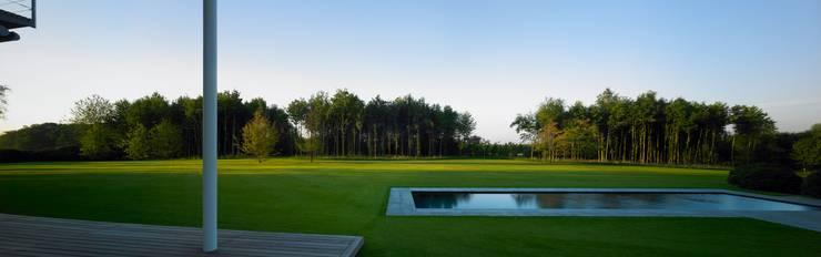 Jardines de estilo  por MK2 international landscape architects