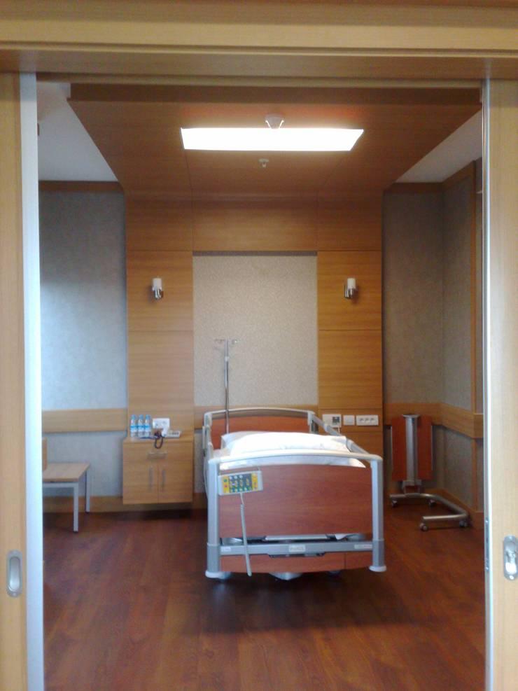 Geyran Mimarlık Atölyesi LTD. ŞTİ. – Medicana Ankara:  tarz Hastaneler