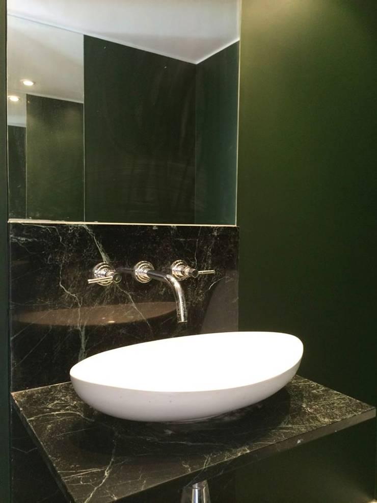Agustín Cetrángoloが手掛けた浴室,