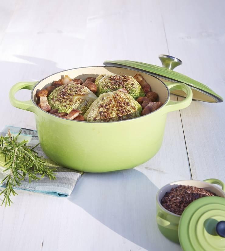 Een regenboog van pannen bij LE CREUSET:  Keuken door Le Creuset Nederland