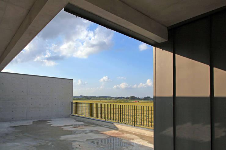 부장리 주택 : 오종상 건축사의  베란다