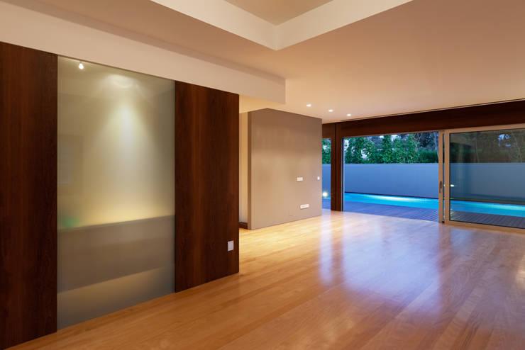 Projekty,  Salon zaprojektowane przez XYZ Arquitectos Associados