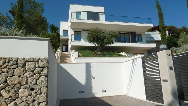 Casas de estilo  por ABAD Y COTONER, S.L.