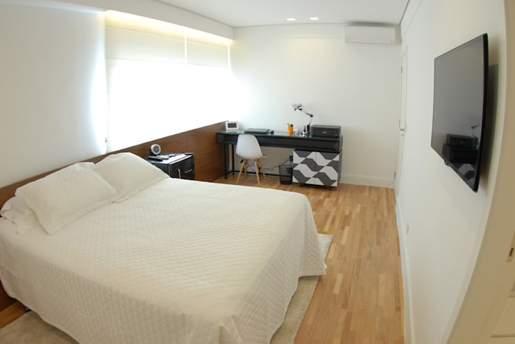 minimalistic Bedroom by MONICA SPADA DURANTE ARQUITETURA