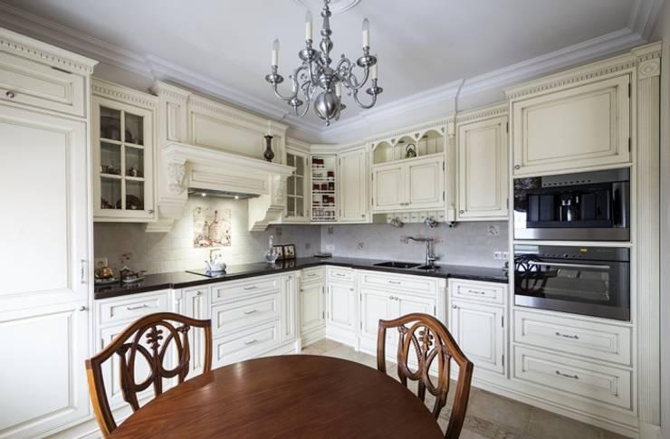 Проект квартиры в Викторианском стиле : Кухня в . Автор – NABOKOFF английские интерьеры ,
