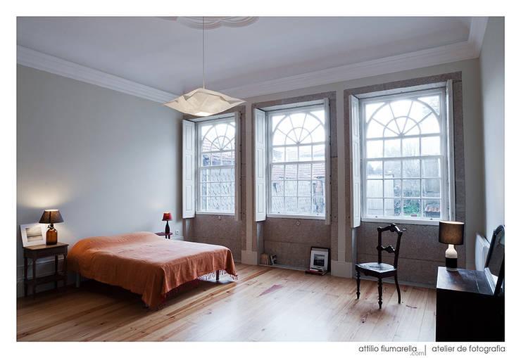 غرفة نوم تنفيذ BAAU - Bernardo Amaral Arquitectura+Urbanismo