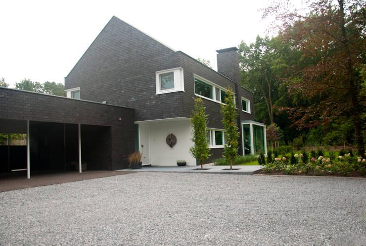 房子 by Slaa + van Asselt architecten BNA, 現代風