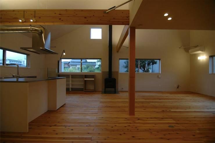 house A _Ultimate efficiency: 吉村寿博建築設計事務所が手掛けた和室です。