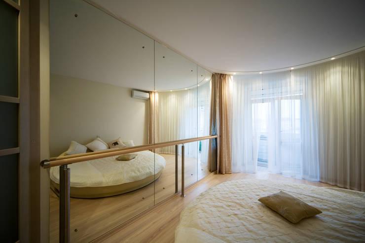 Спальня: Спальни в . Автор – Бюро9 - Екатерина Ялалтынова, Эклектичный