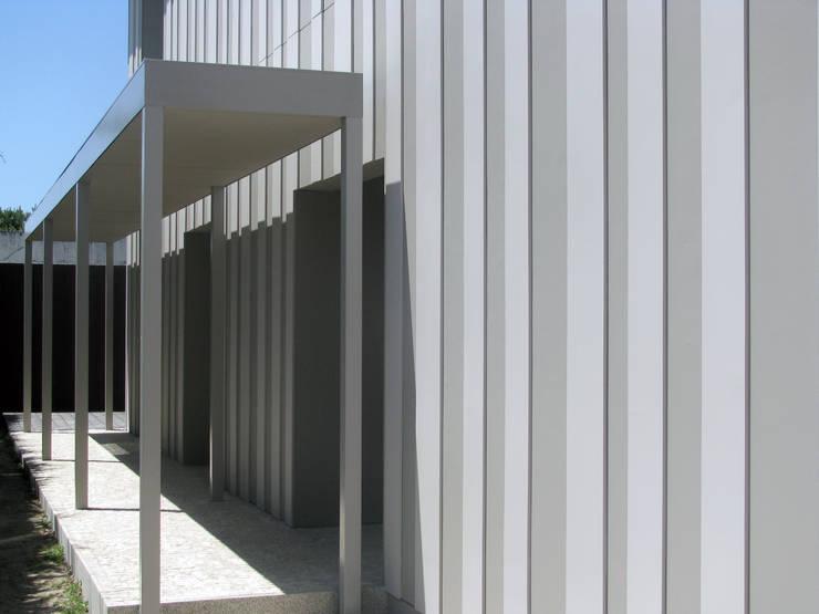 Casa Miramar_4:   por XYZ Arquitectos Associados