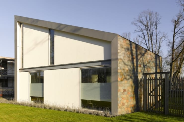 villa Bolwerk, Vught: modern  door van den hout & kolen architecten, Modern