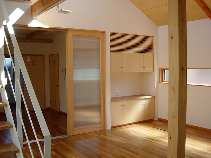 K-HOUSE: 雨川建築設計室が手掛けた寝室です。