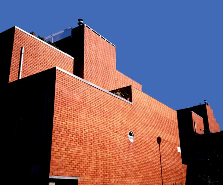 Fachada: Casas  por MANUEL CORREIA FERNANDES, ARQUITECTO E ASSOCIADOS