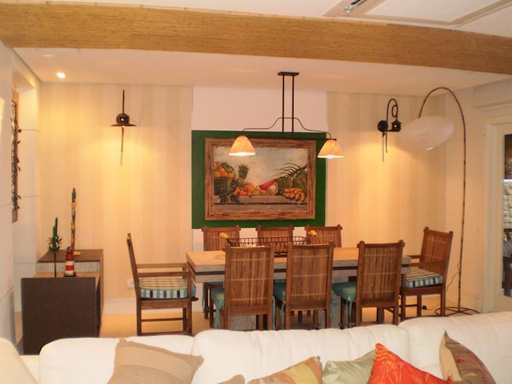 Residência em Juqueí – São Sebastião – SP: Salas de jantar  por ANALU ANDRADE - ARQUITETURA E DESIGN
