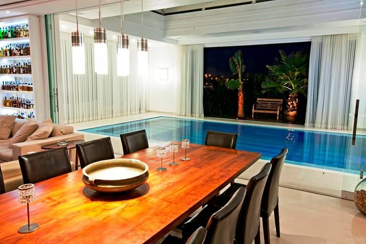 Sala de Jantar: Salas de jantar  por Ariane Labre Arquitetura