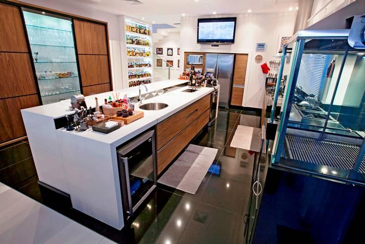 Cozinha Gourmet: Cozinhas  por Ariane Labre Arquitetura