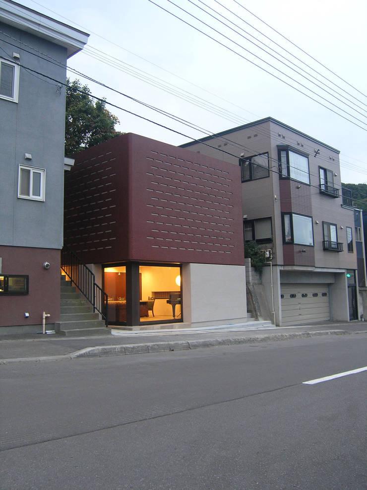 ゲストハウス: アウラ建築設計事務所が手掛けた家です。